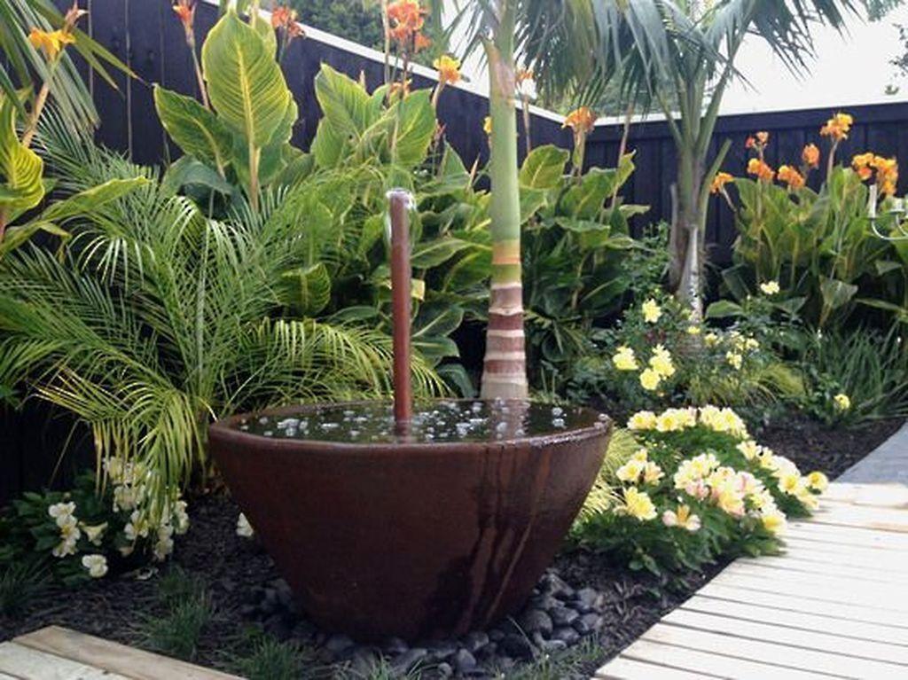 Lovely Tropical Garden Design Ideas 17