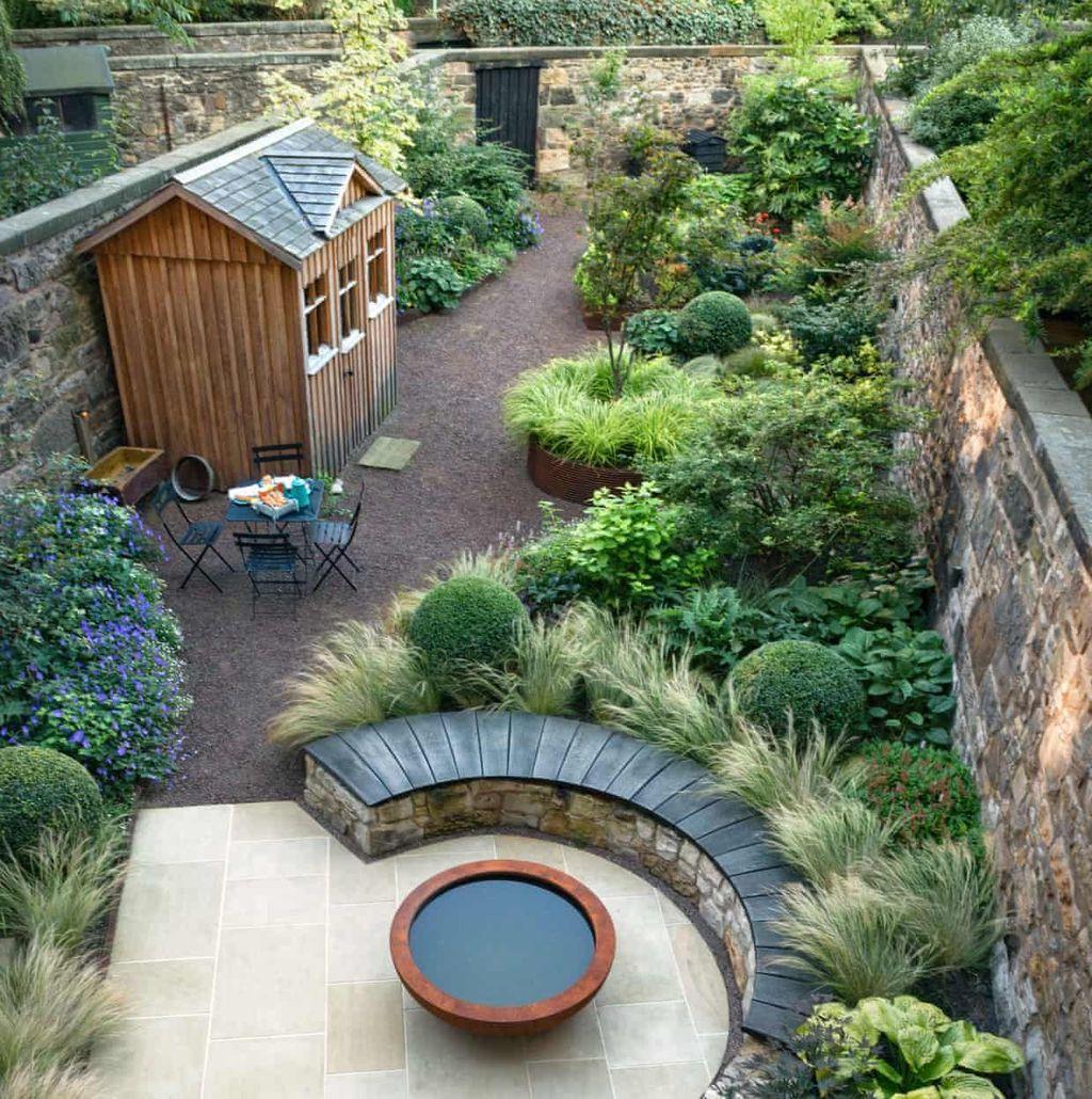 Lovely Tropical Garden Design Ideas 20
