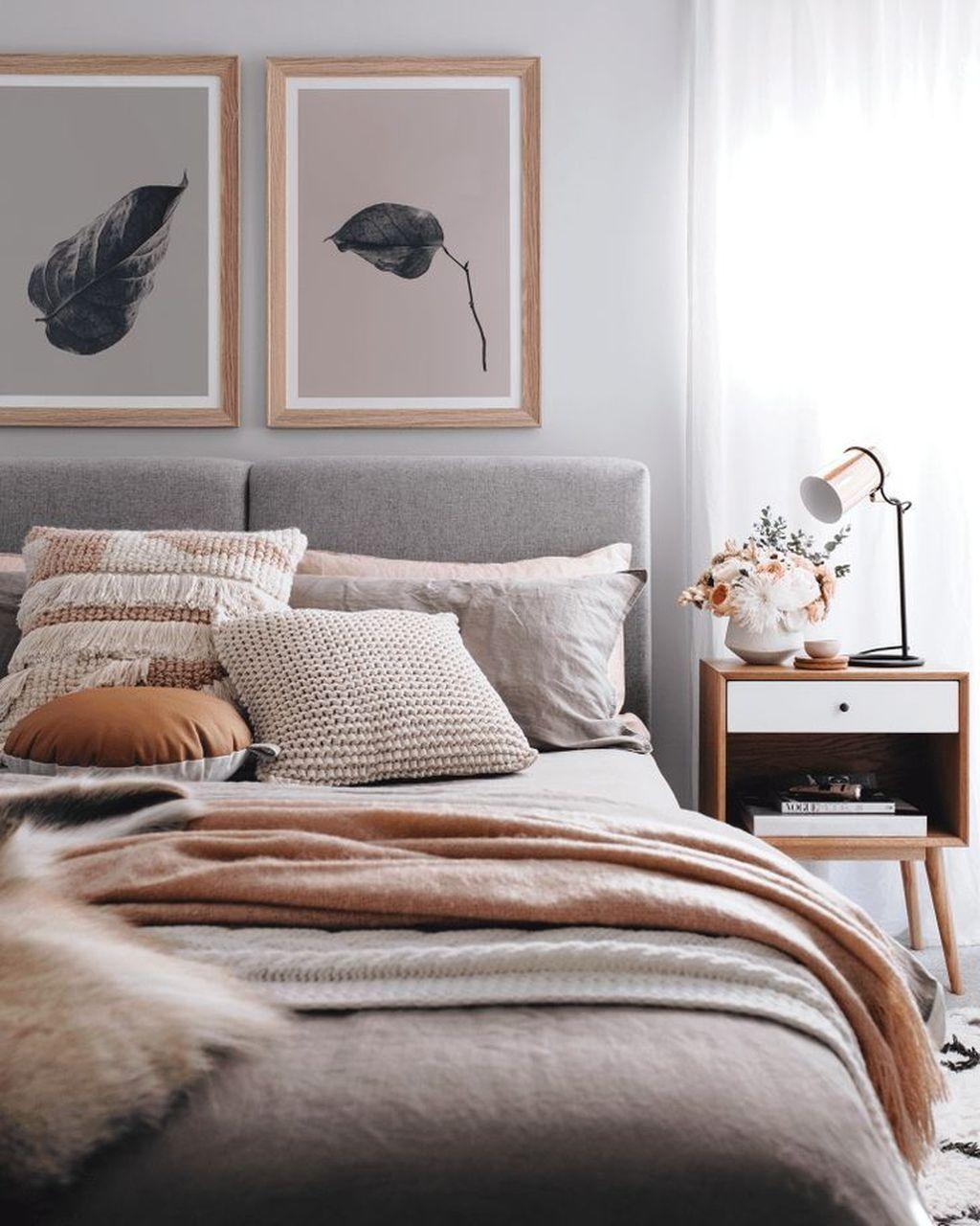 Nice Fall Bedroom Decor Ideas 02