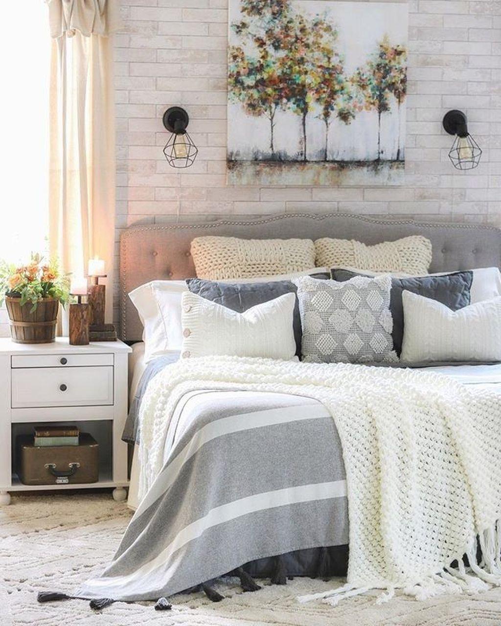 Nice Fall Bedroom Decor Ideas 29