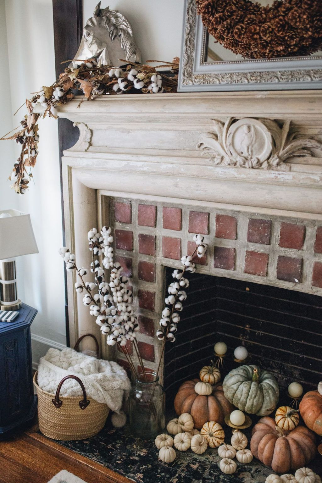 Popular Fall Fireplace Decoration Ideas 25