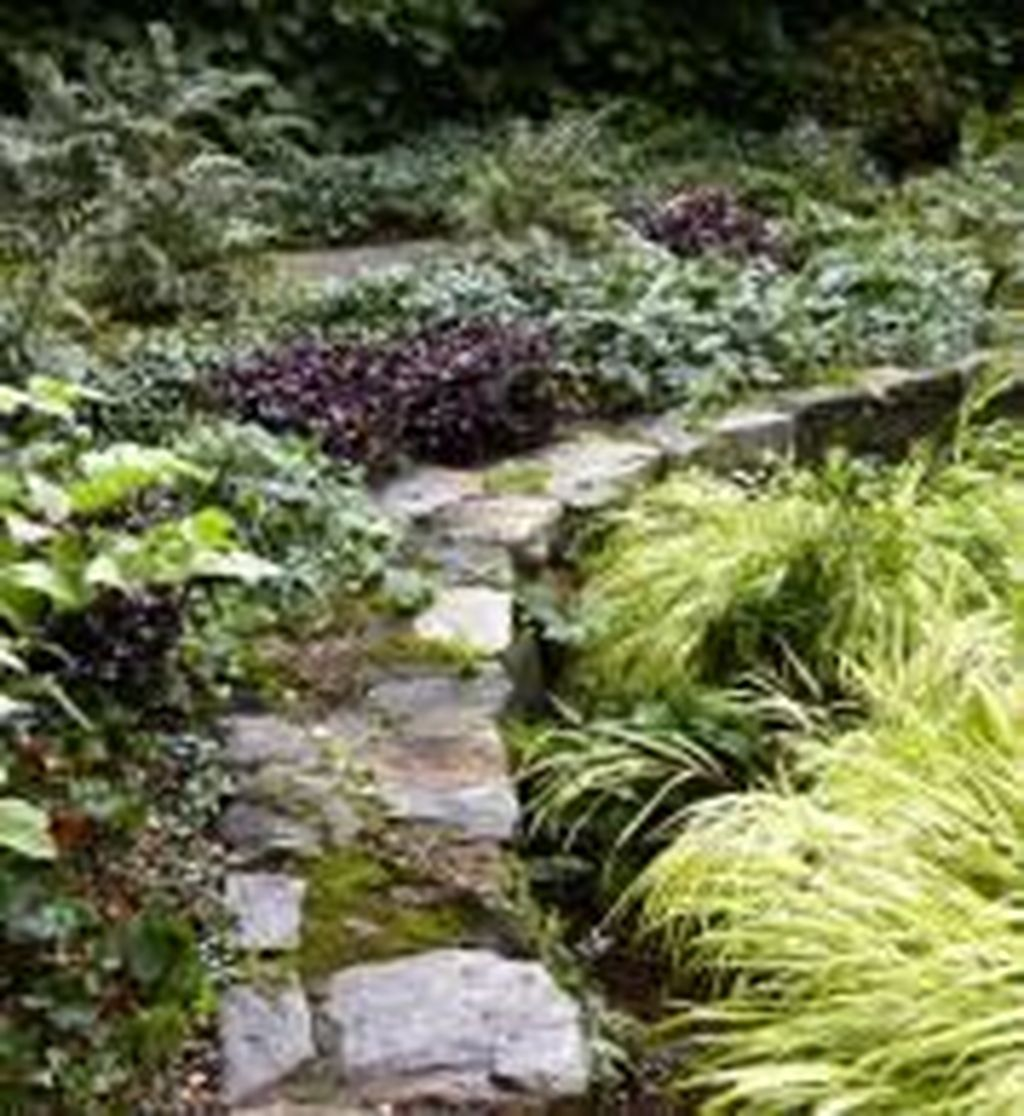 Popular Terraced Landscaping Slope Yard Design Ideas 14