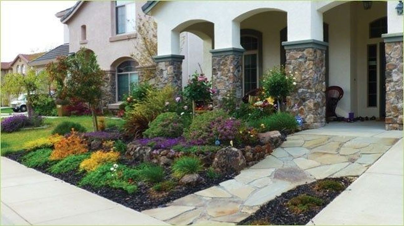 Popular Xeriscape Landscape Ideas For Your Front Yard 01