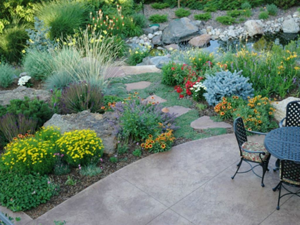 Popular Xeriscape Landscape Ideas For Your Front Yard 27