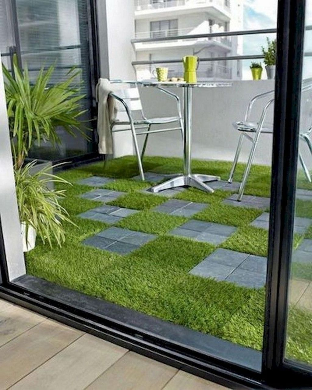 Stunning Apartment Garden Design Ideas 03