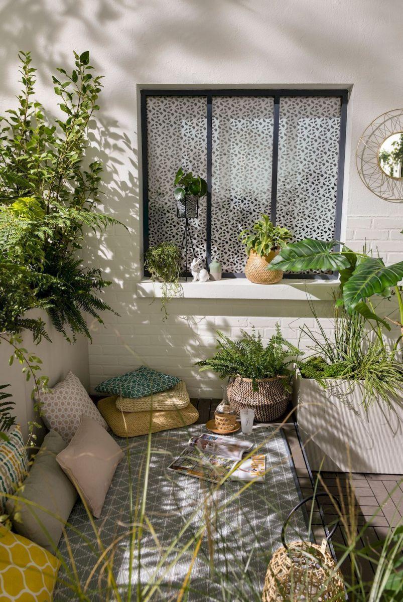 Stunning Apartment Garden Design Ideas 07