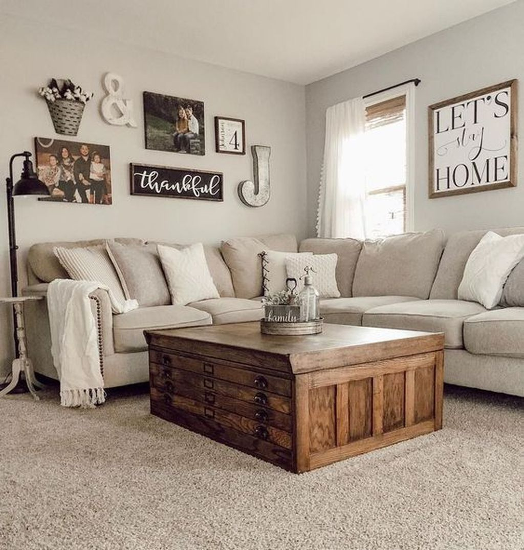Stunning Farmhouse Living Room Decorating Ideas 16