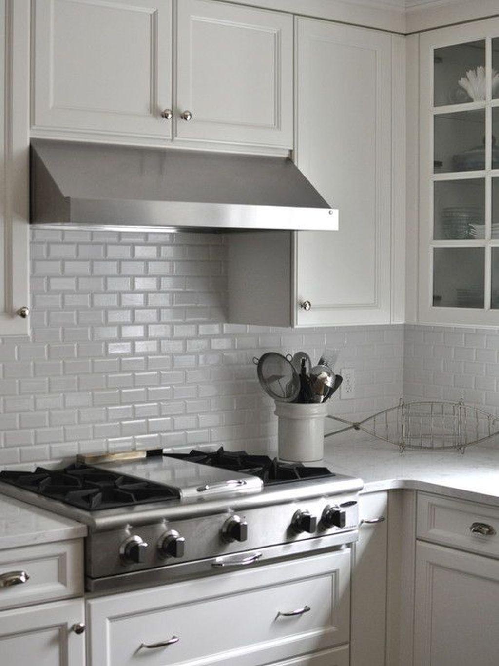 Stunning Glass Backsplash Kitchen Ideas 03
