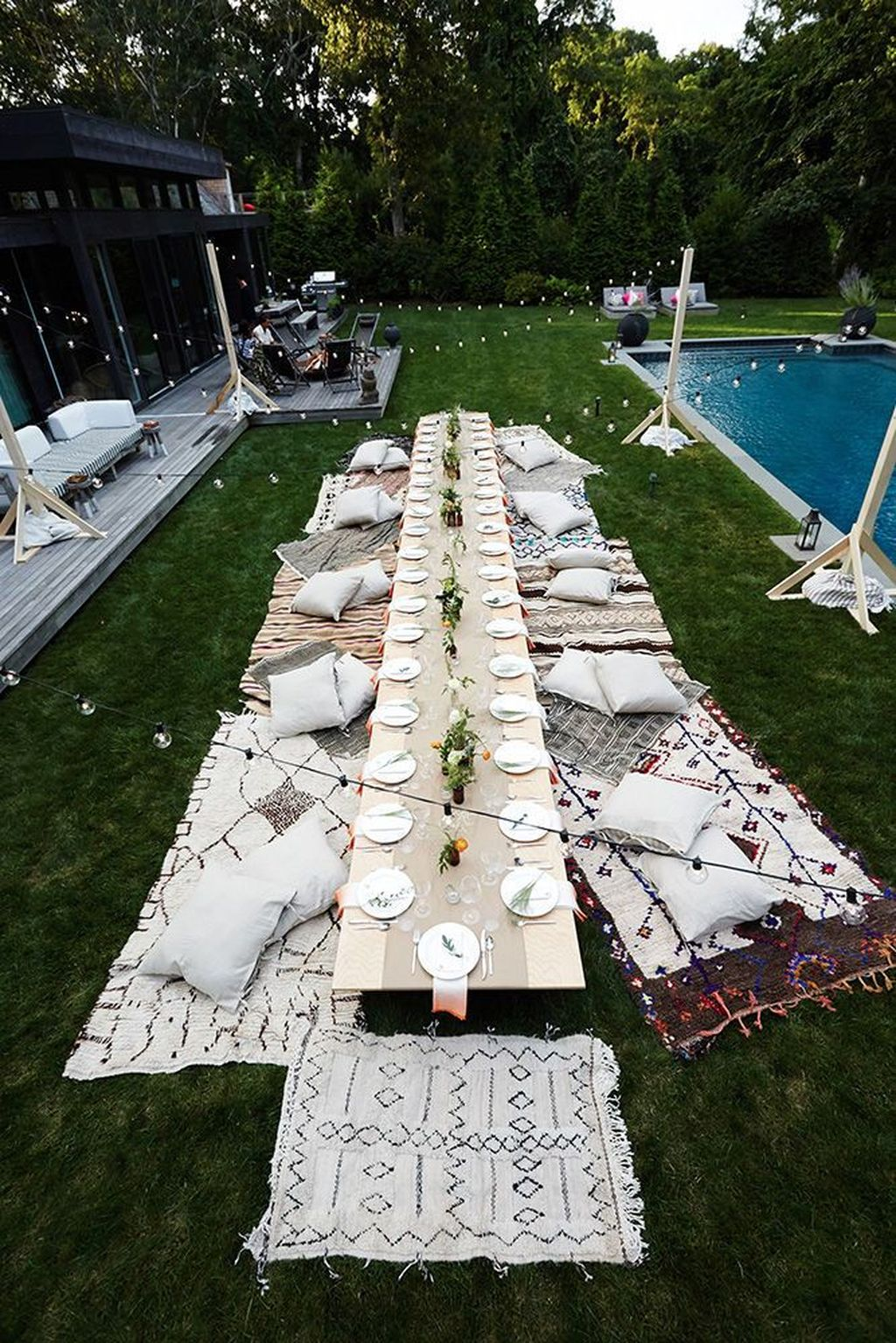 The Best Backyard Summer Party Decorating Ideas 32