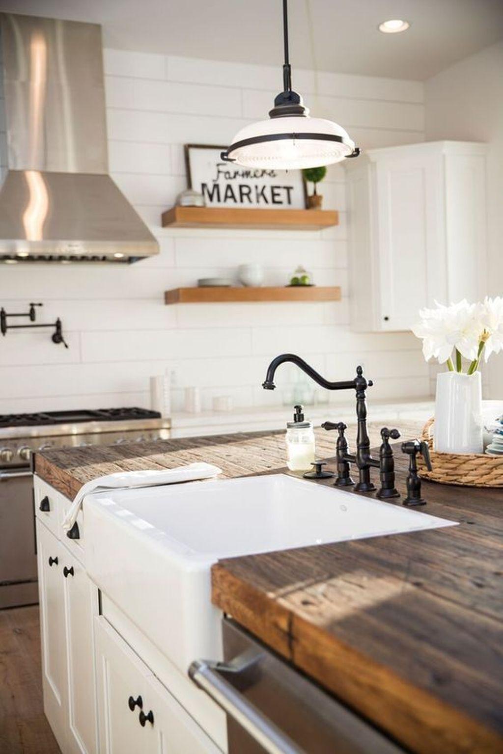 The Best Farmhouse Kitchen Decor Ideas 04