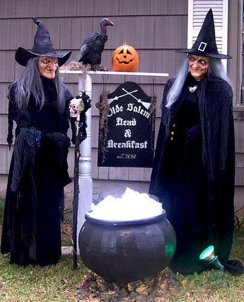 The Best Halloween Garden Decor Ideas 09