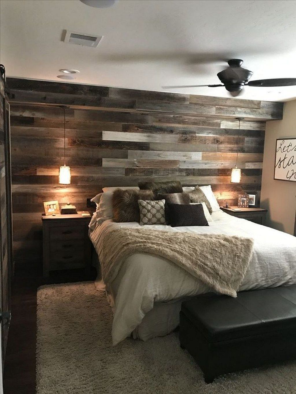 The Best Small Master Bedroom Design Ideas WIth Farmhouse Style 13