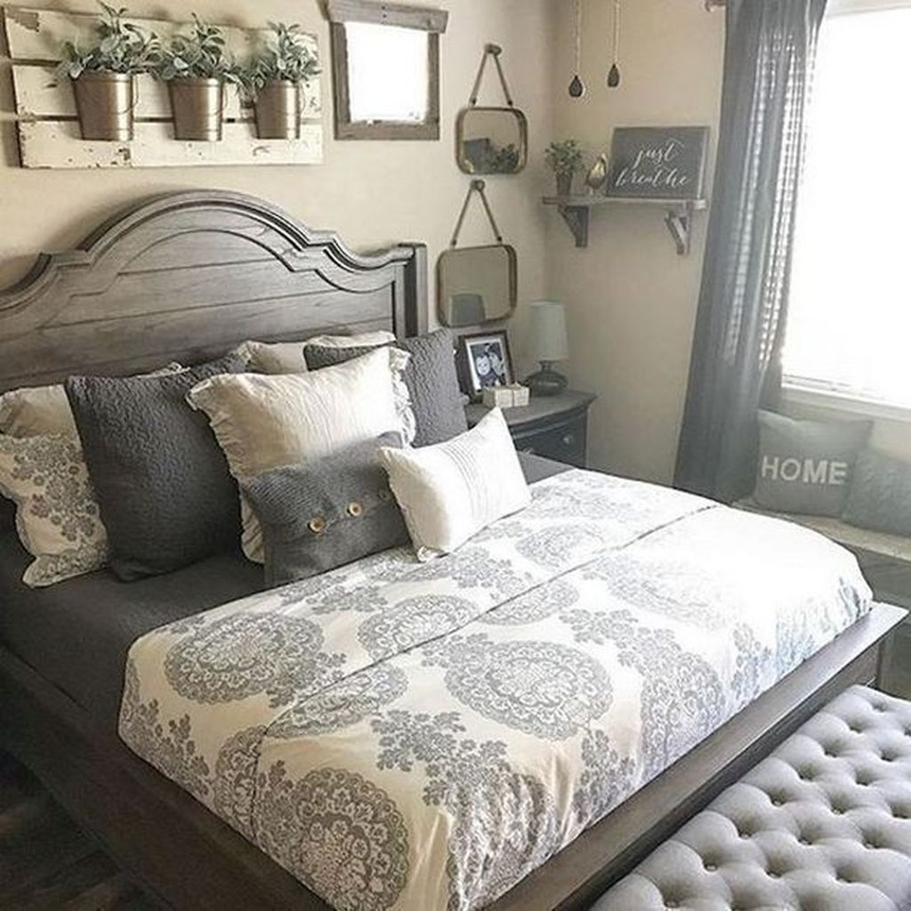 The Best Small Master Bedroom Design Ideas WIth Farmhouse Style 26