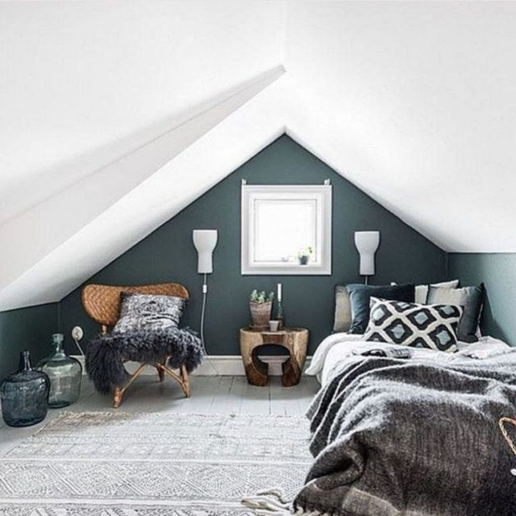 Amazing Attic Bedroom Design Ideas That You Will Like 18