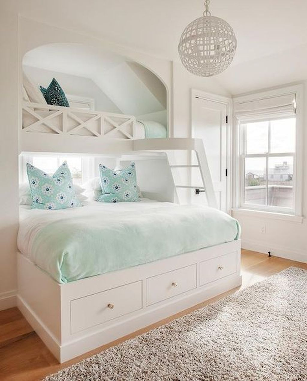 Amazing Attic Bedroom Design Ideas That You Will Like 24
