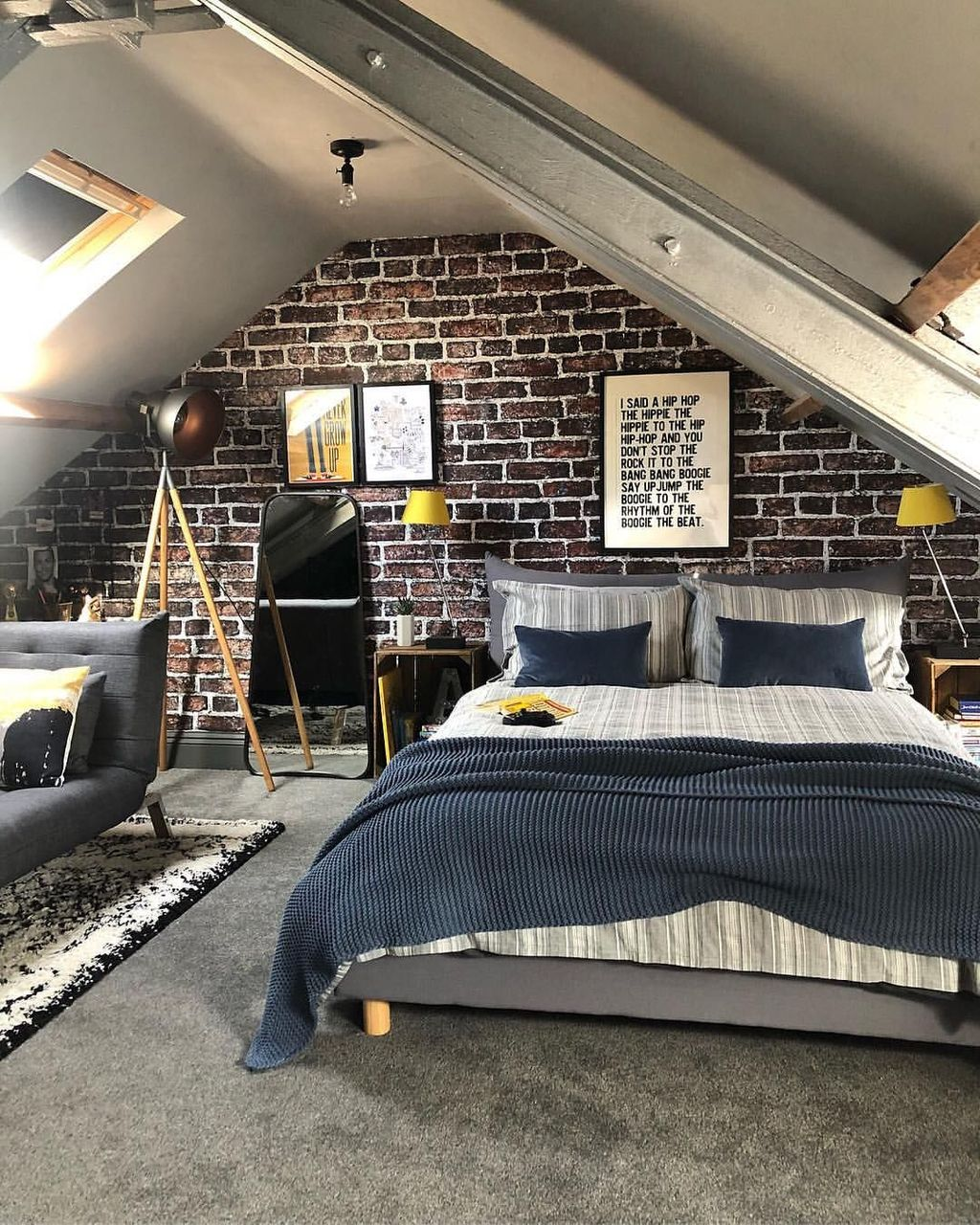 Amazing Attic Bedroom Design Ideas That You Will Like 27