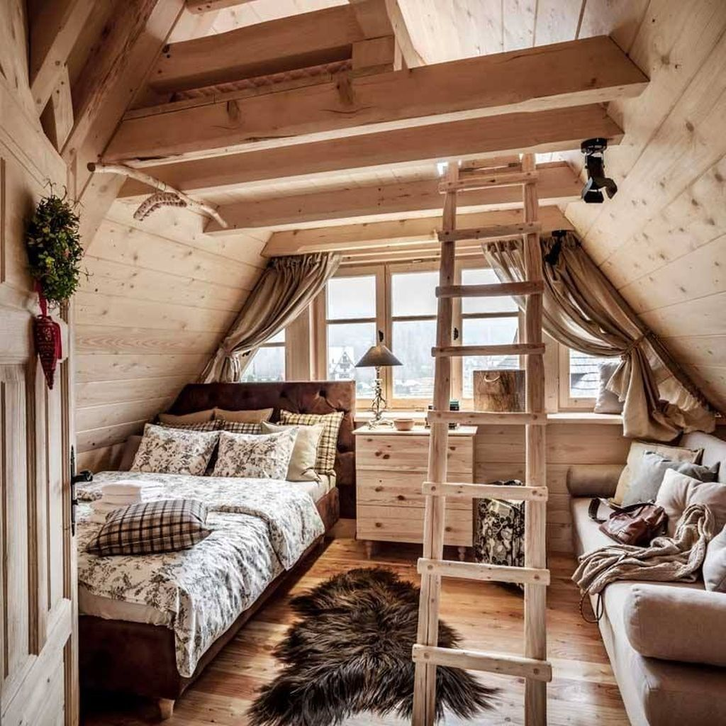 Amazing Attic Bedroom Design Ideas That You Will Like 28