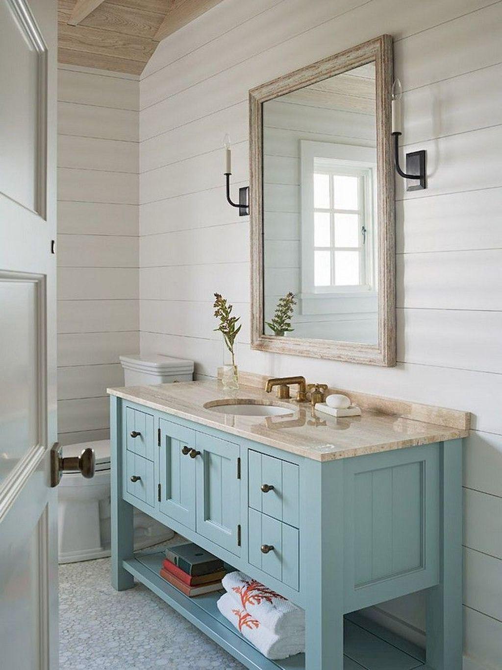 Amazing Farmhouse Bathroom Decor Ideas 13