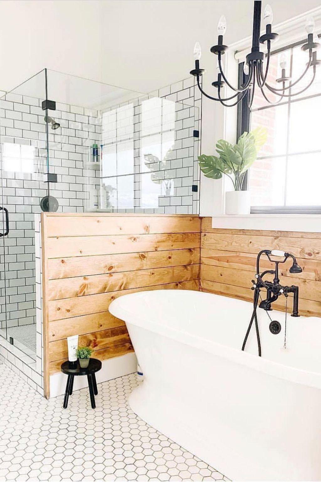 Amazing Farmhouse Bathroom Decor Ideas 16