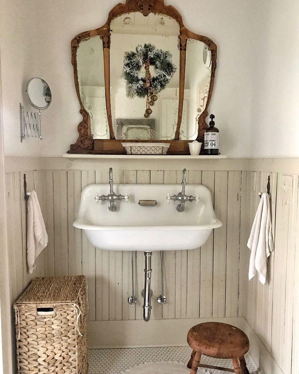 Amazing Farmhouse Bathroom Decor Ideas 19