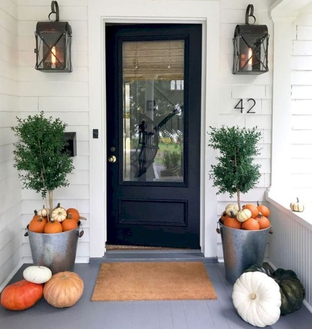 Amazing Front Porch Fall Decor Ideas That You Never Seen Before 01