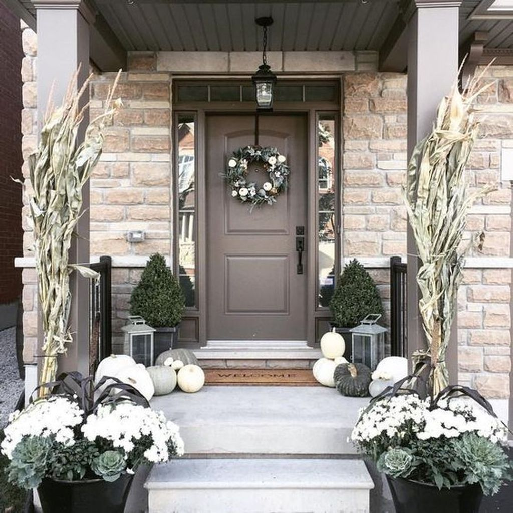 Amazing Front Porch Fall Decor Ideas That You Never Seen Before 07