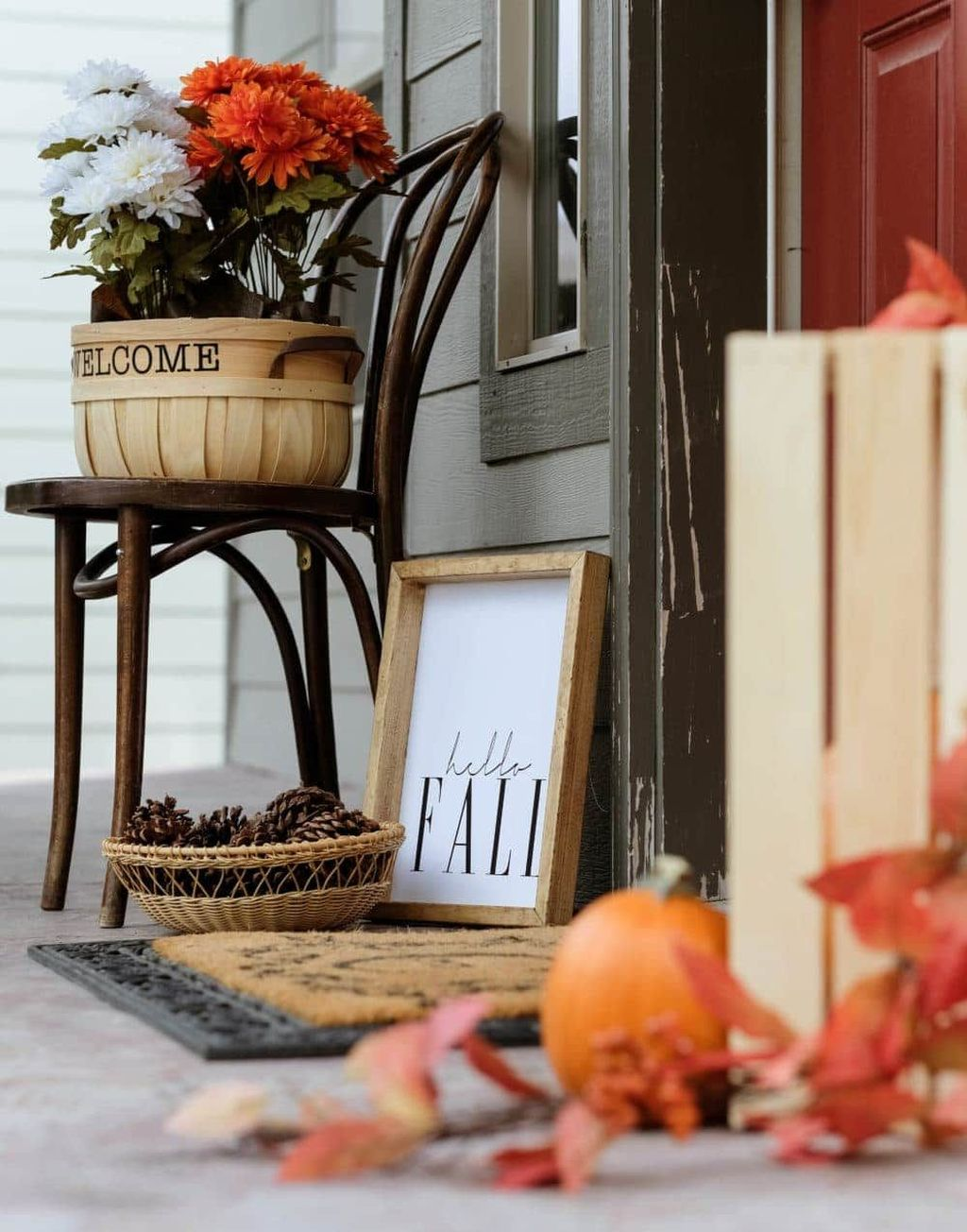 Amazing Front Porch Fall Decor Ideas That You Never Seen Before 11