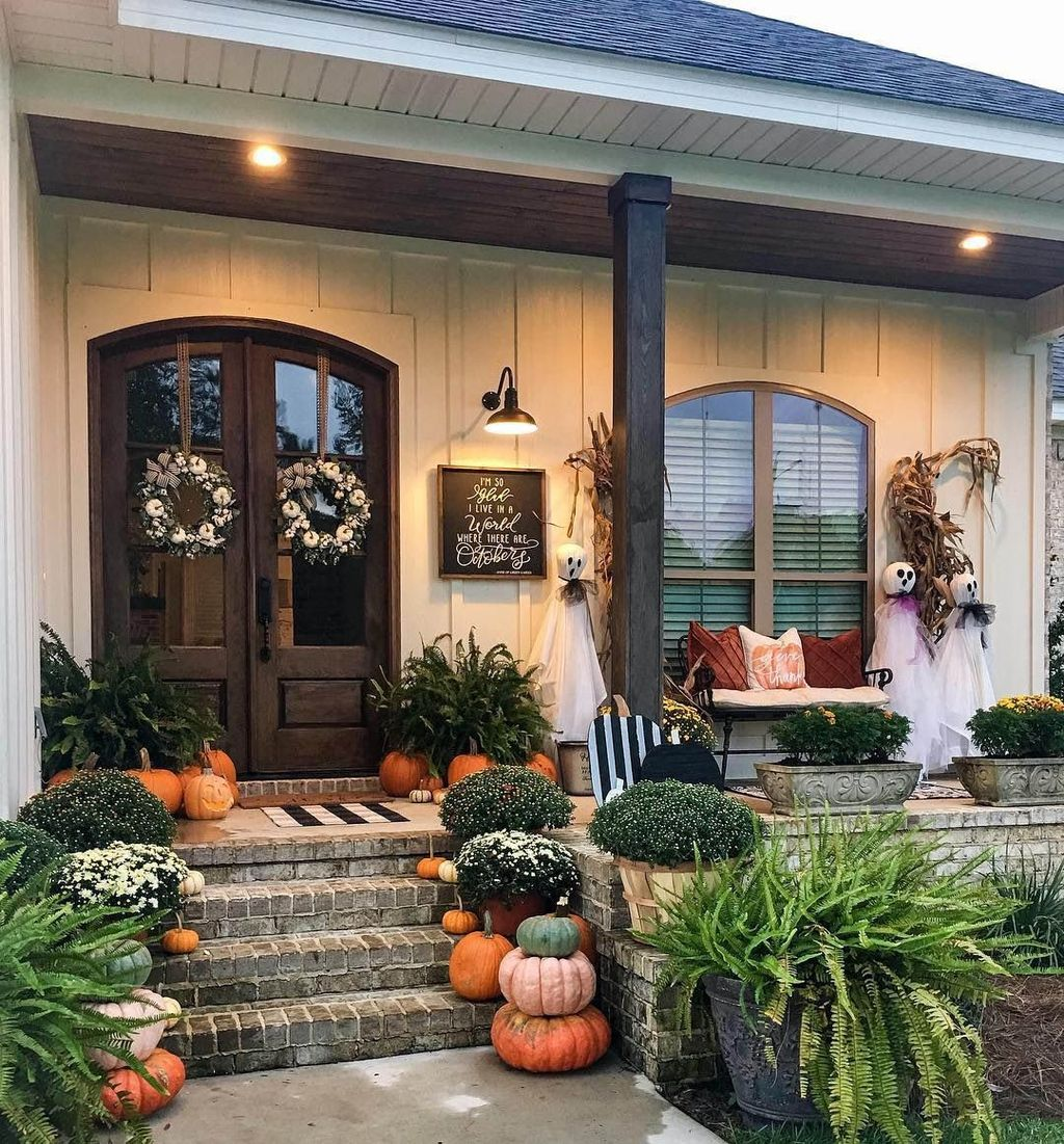 Amazing Front Porch Fall Decor Ideas That You Never Seen Before 13