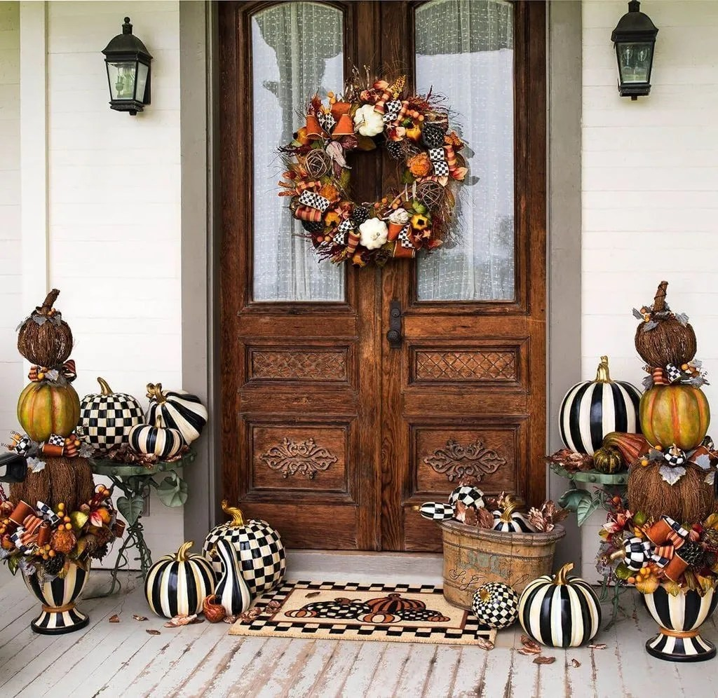Amazing Front Porch Fall Decor Ideas That You Never Seen Before 22