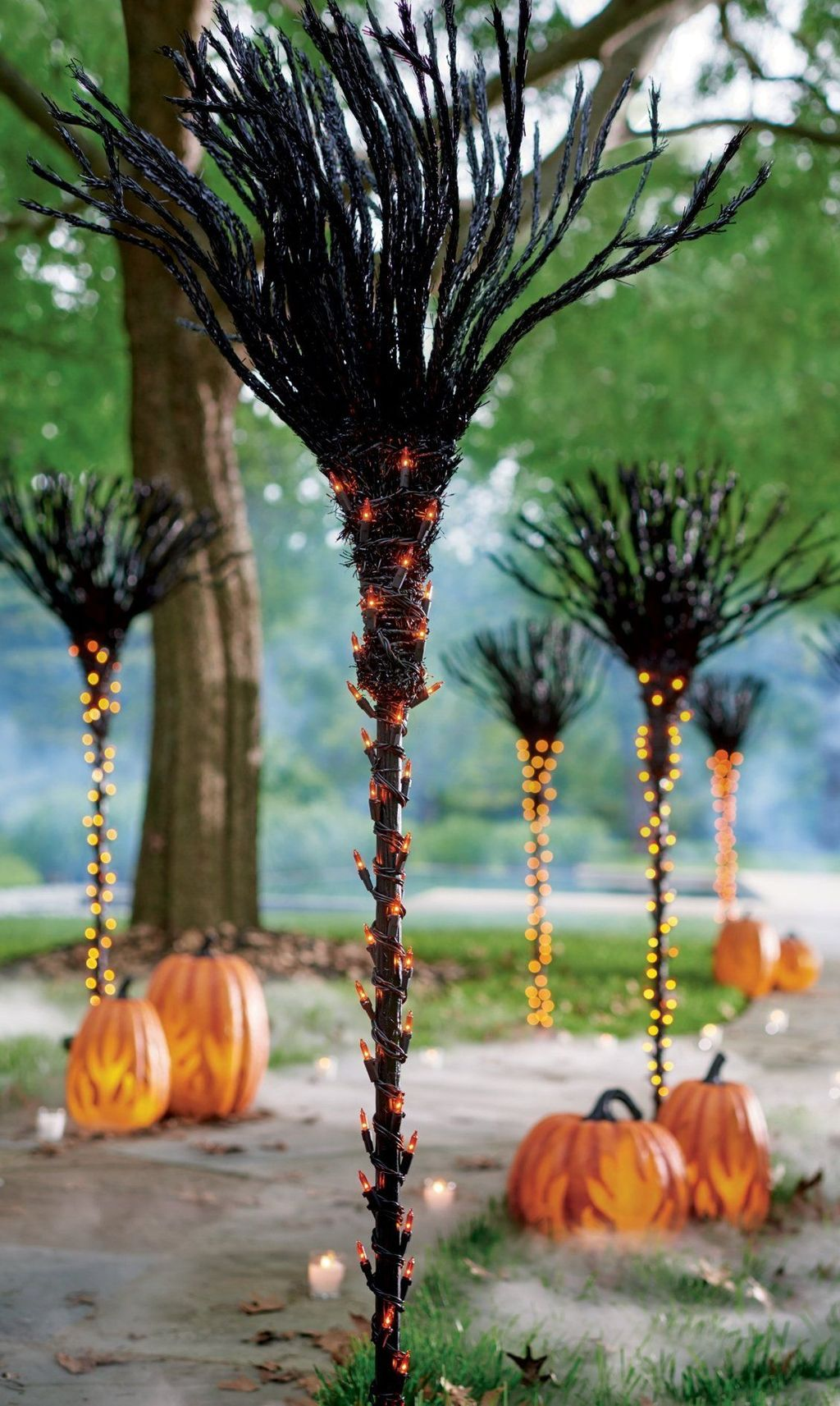 Awesome Halloween Backyard Party Decorations Ideas 02
