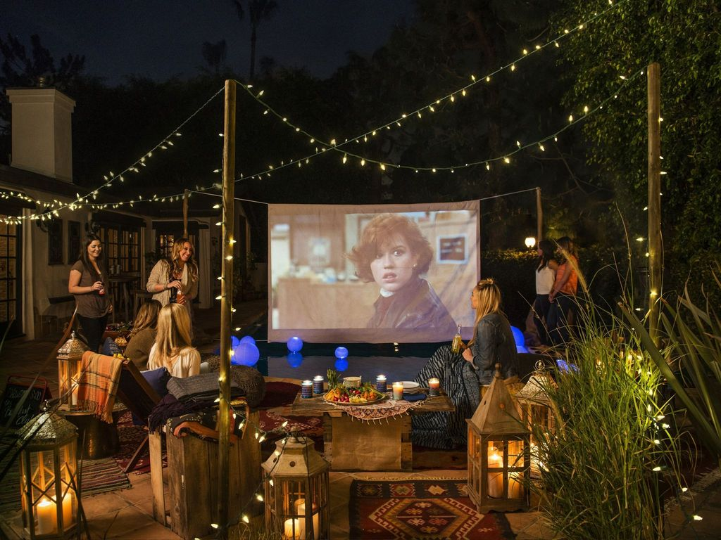Awesome Halloween Backyard Party Decorations Ideas 18