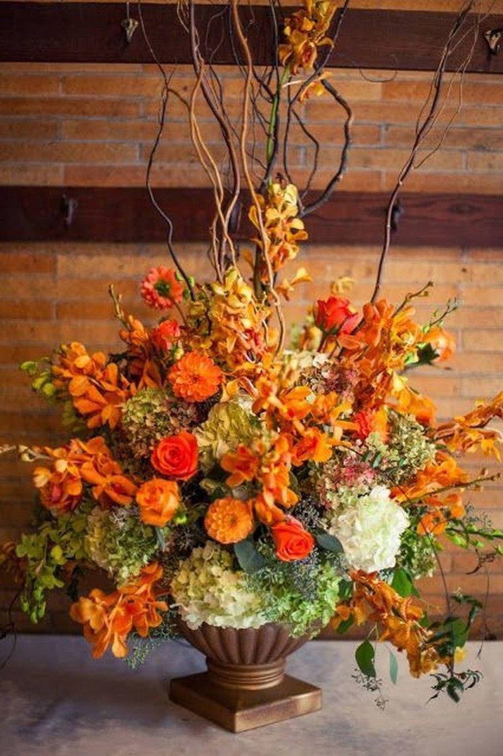 Beautiful Fall Flower Arrangement Design Ideas For Living Room Decor 16