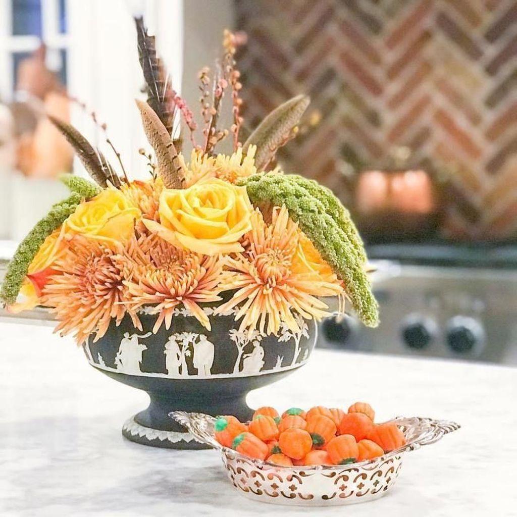 Beautiful Fall Flower Arrangement Design Ideas For Living Room Decor 22