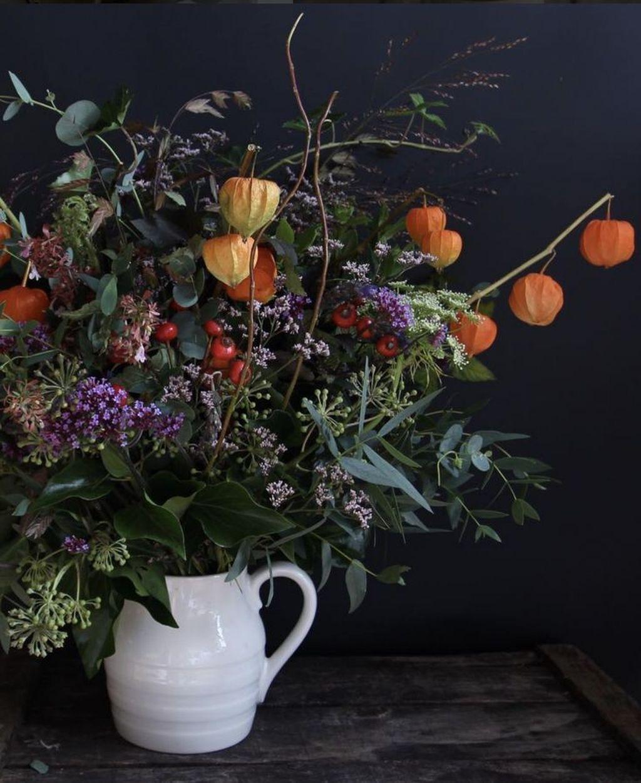 Beautiful Fall Flower Arrangement Design Ideas For Living Room Decor 26