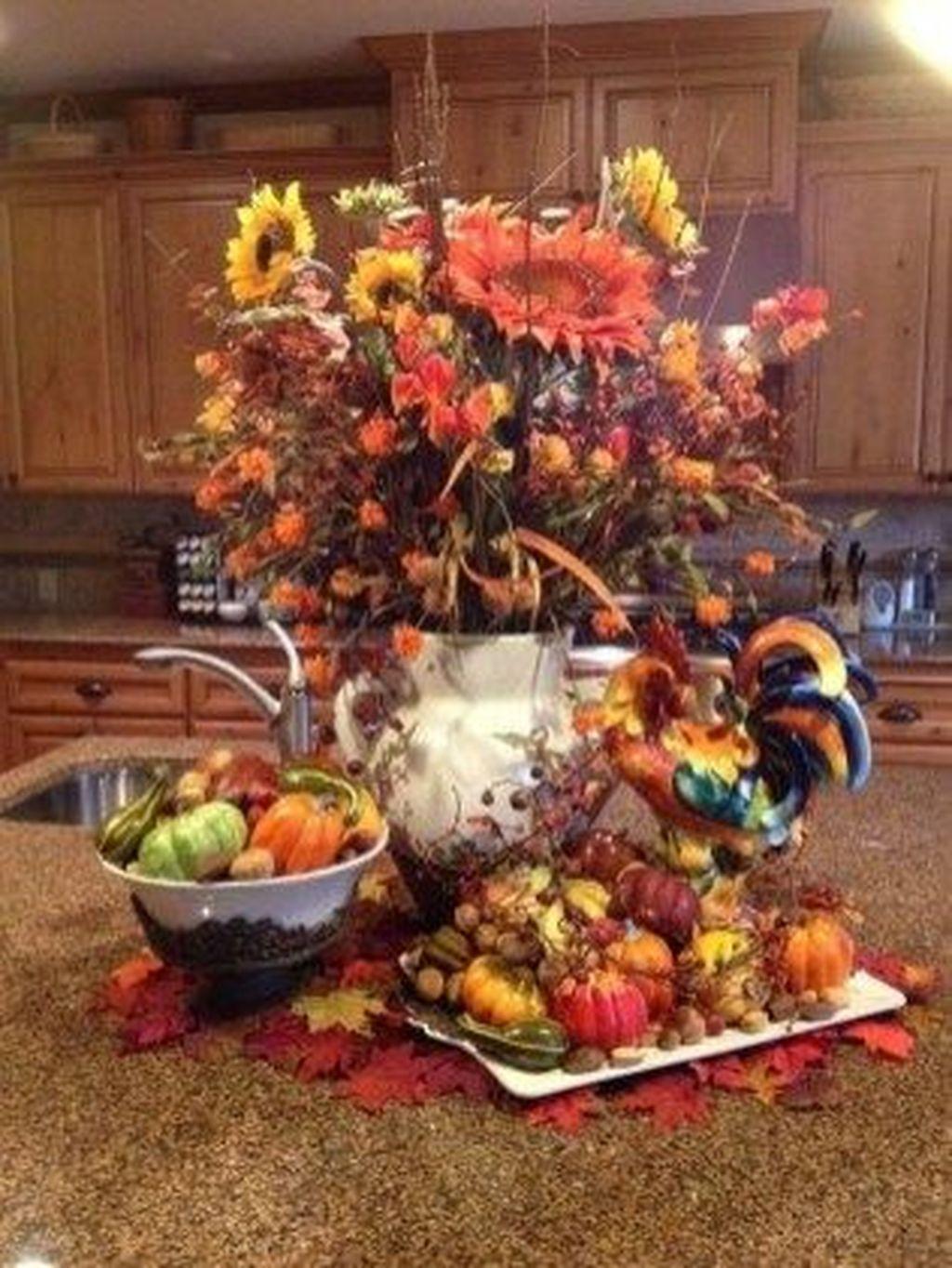 Beautiful Fall Theme Kitchen Island Decor Ideas 19