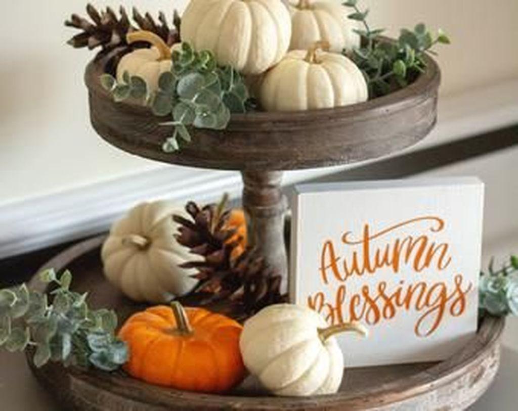 Beautiful Fall Theme Kitchen Island Decor Ideas 21