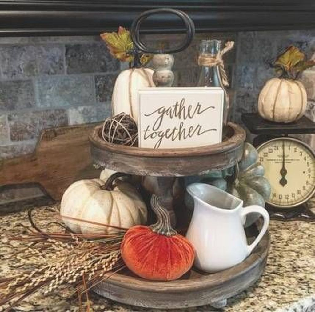Beautiful Fall Theme Kitchen Island Decor Ideas 35