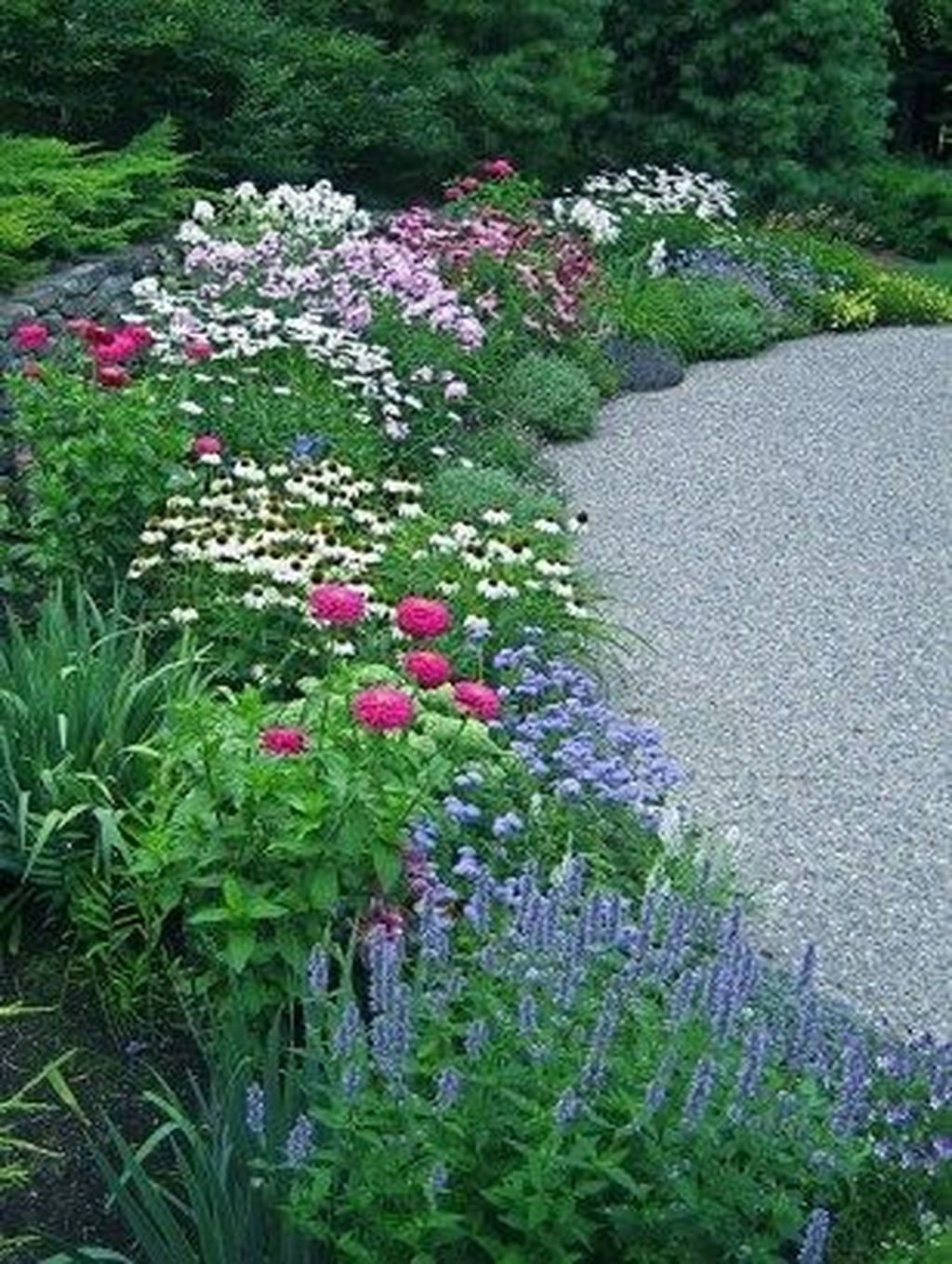 Beautiful Flower Beds Design Ideas In Front Of House 02