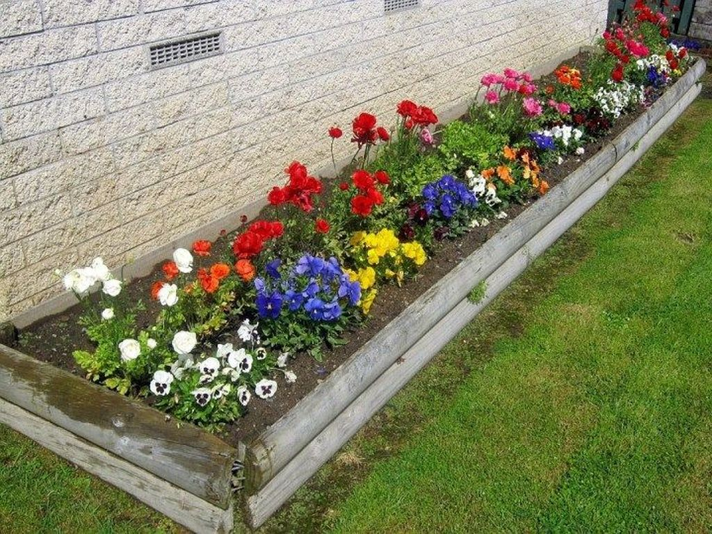 Beautiful Flower Beds Design Ideas In Front Of House 03