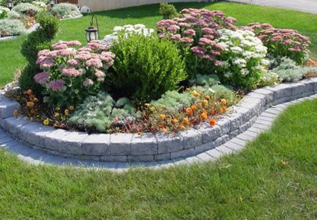 Beautiful Flower Beds Design Ideas In Front Of House 08