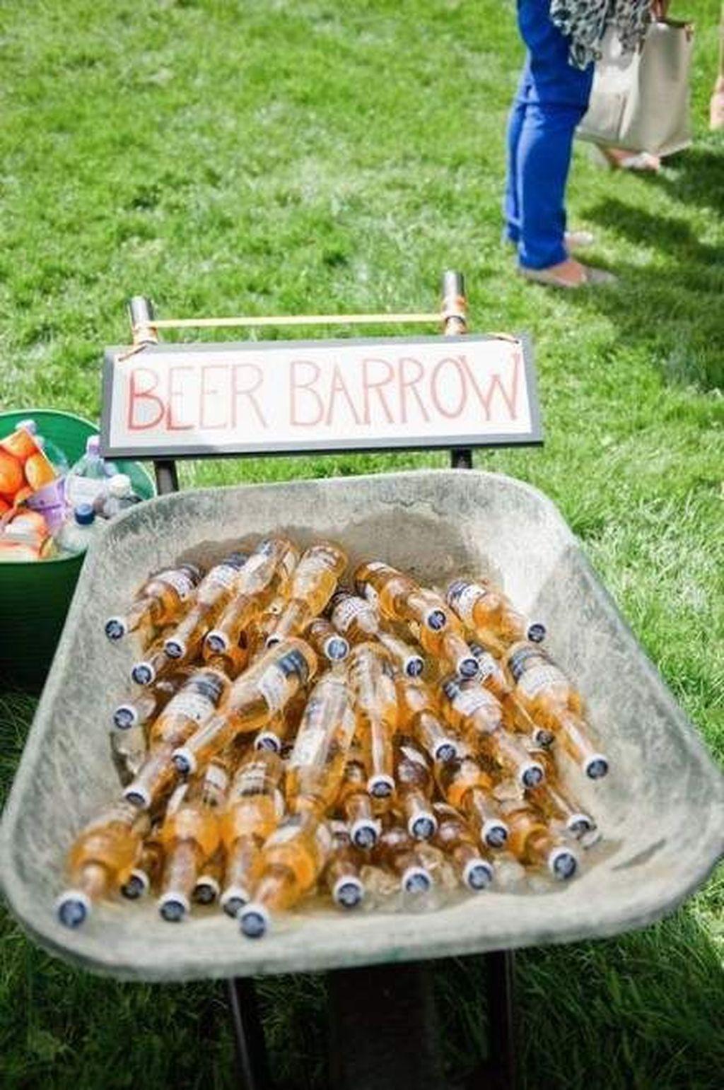Fabulous Fall Backyard Party Decorations Ideas 18