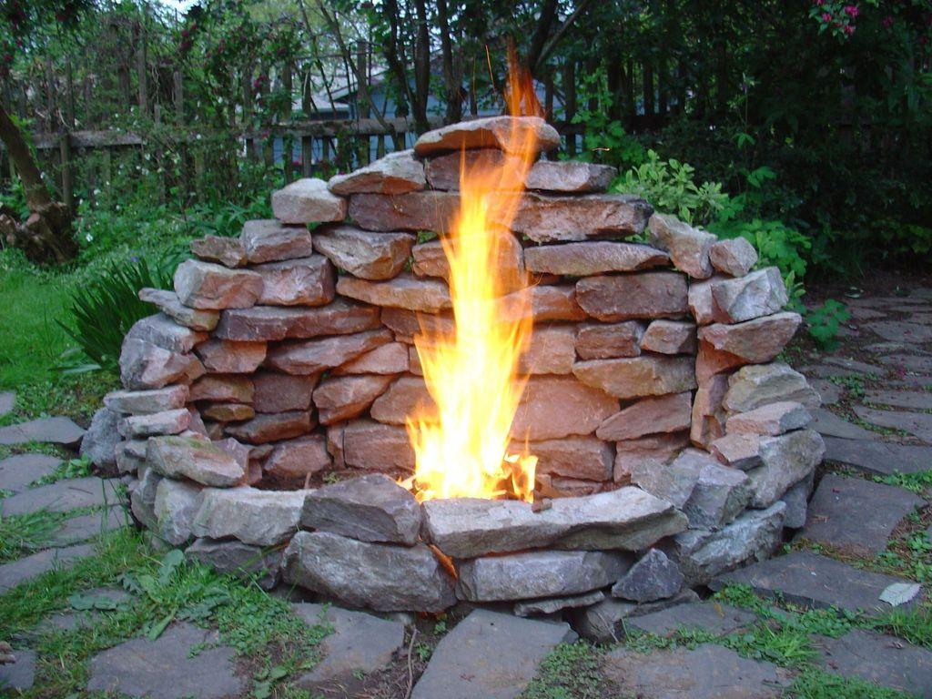 Fabulous Stone Fire Pit Design And Decor Ideas 02