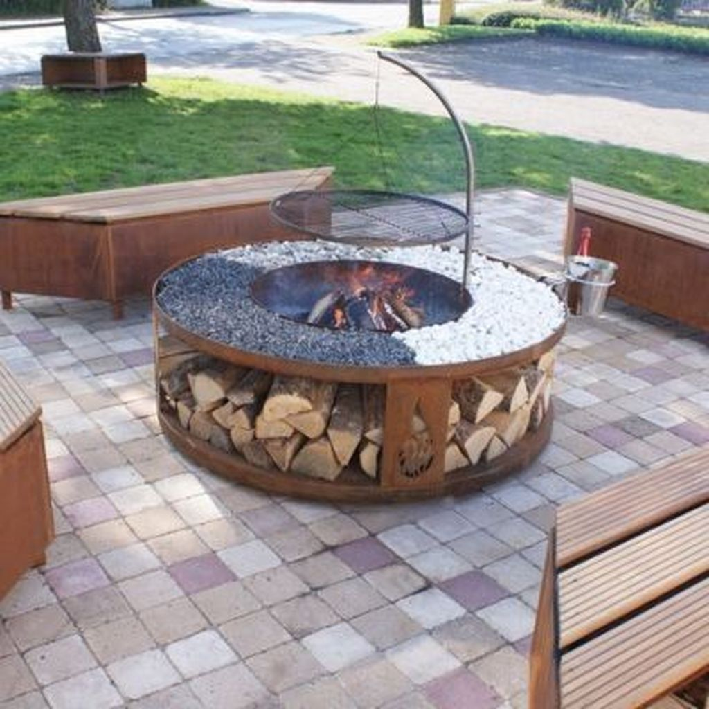 Fabulous Stone Fire Pit Design And Decor Ideas 05