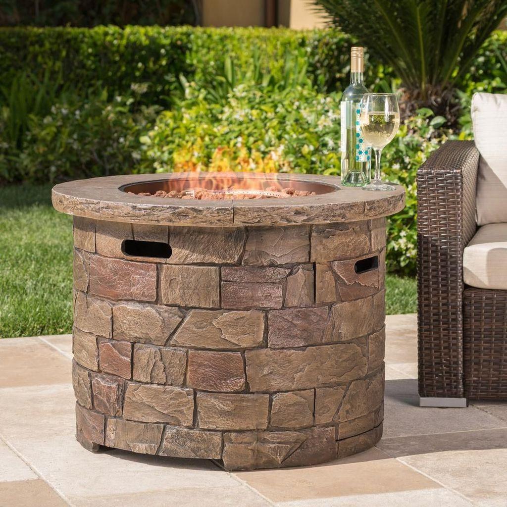 Fabulous Stone Fire Pit Design And Decor Ideas 22