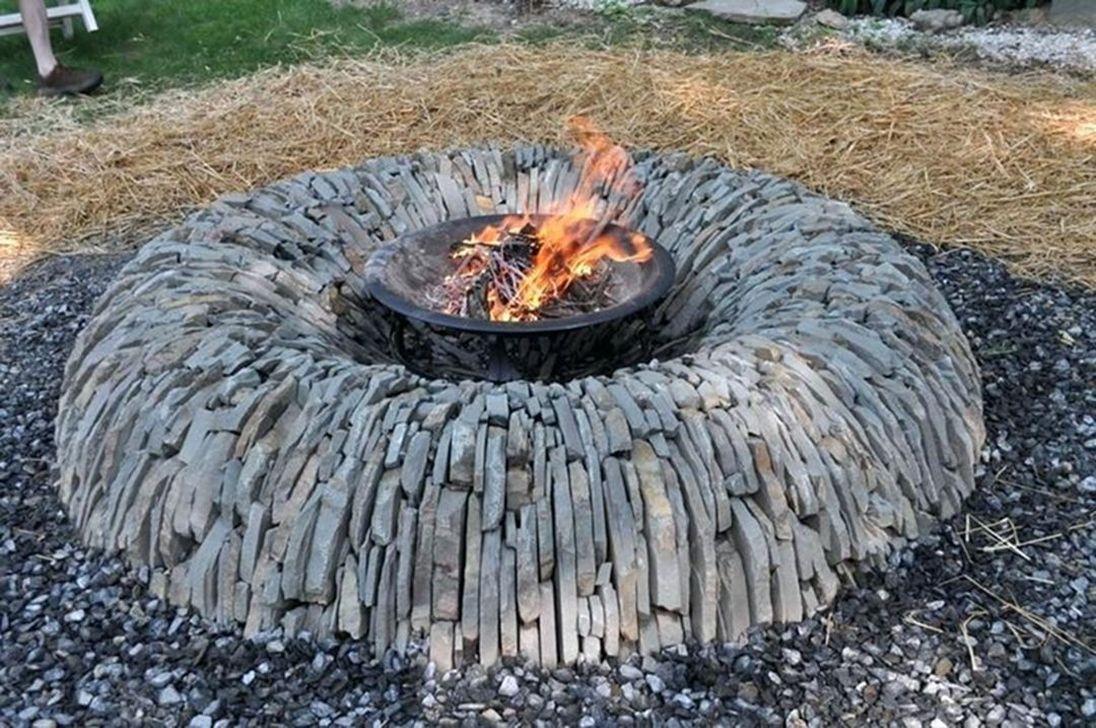 Fabulous Stone Fire Pit Design And Decor Ideas 25