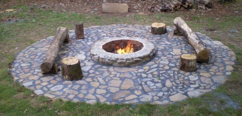 Fabulous Stone Fire Pit Design And Decor Ideas 29