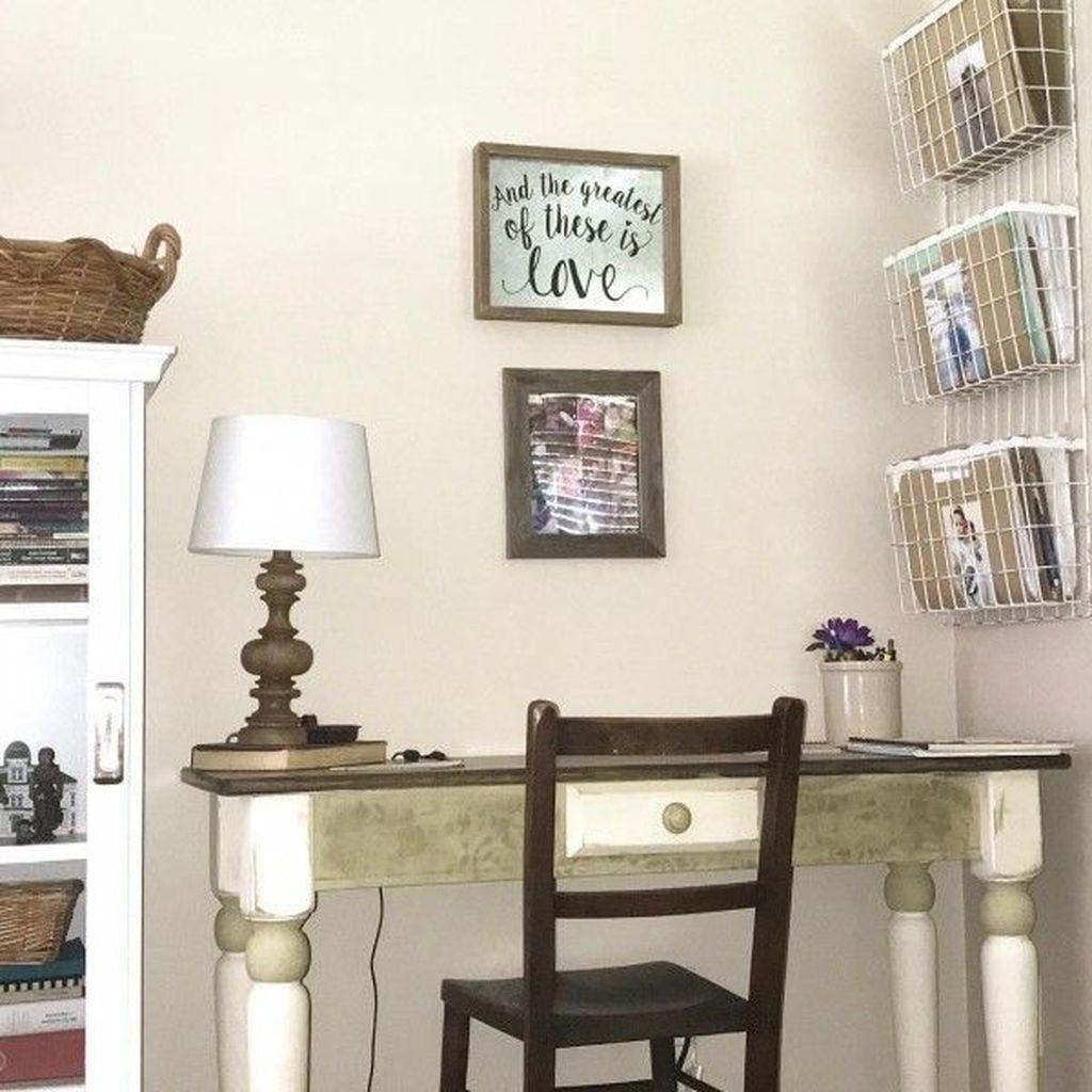 Gorgeous Vintage Farmhouse Office Decorating Ideas 03