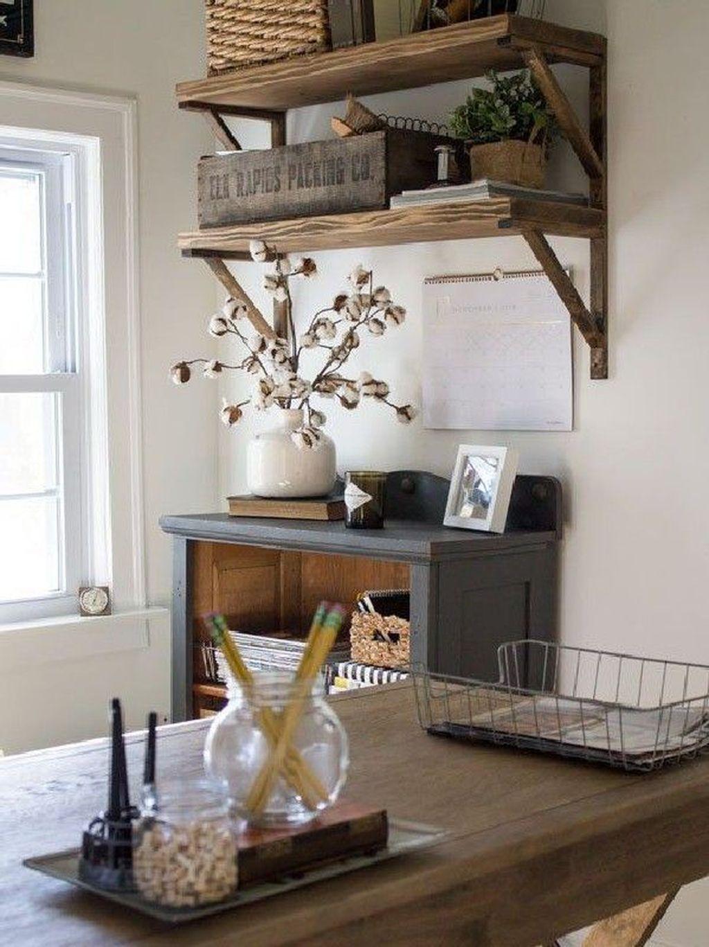 Gorgeous Vintage Farmhouse Office Decorating Ideas 17