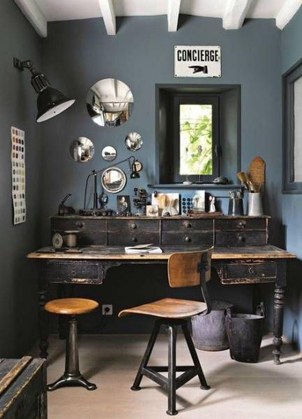Gorgeous Vintage Farmhouse Office Decorating Ideas 20