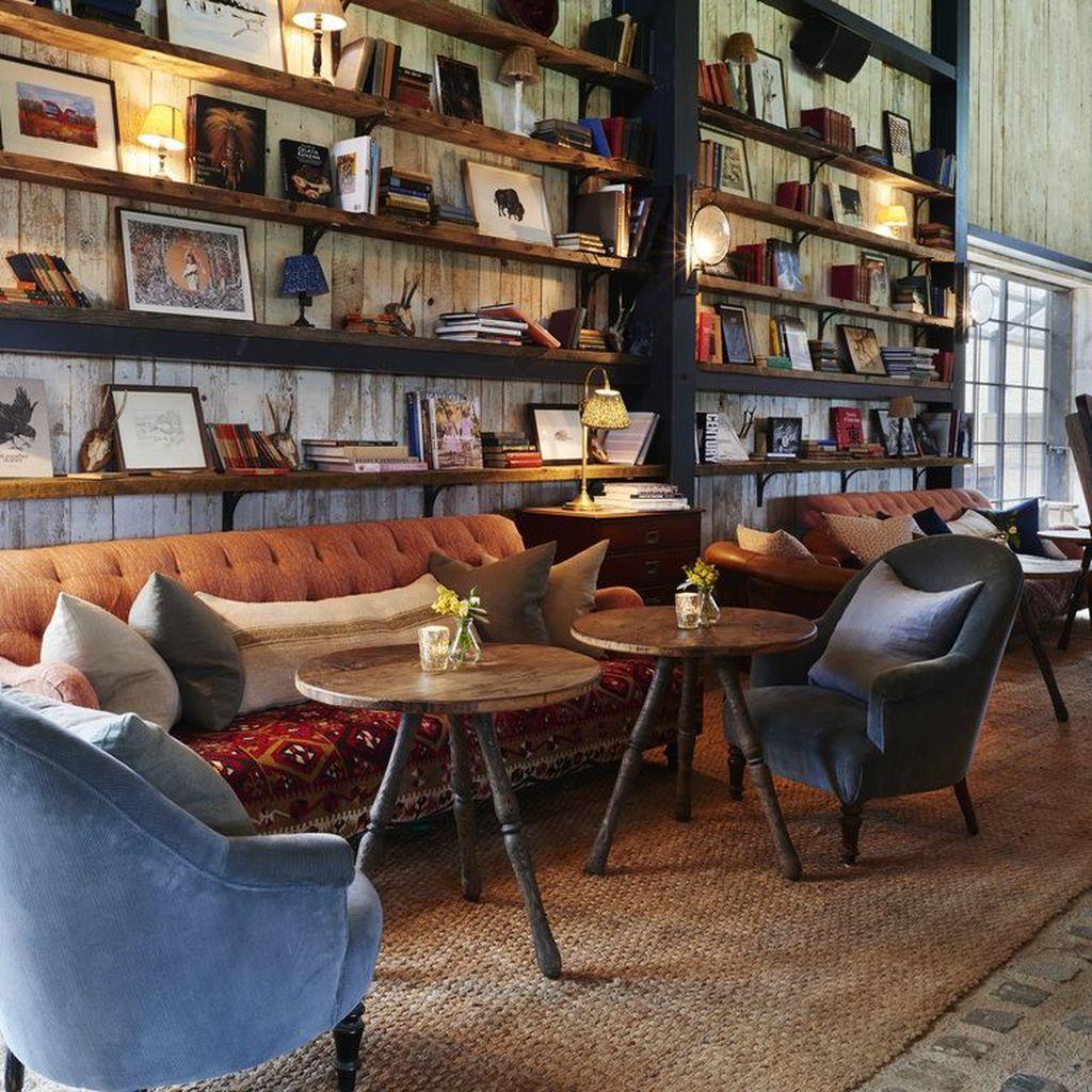 Gorgeous Vintage Farmhouse Office Decorating Ideas 34